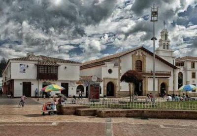 21chiquinquira_actividades_visita-la-iglesia-de-la-renovacion